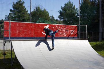 Man fantasize skateboarding