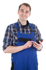 Lächelnder Handwerker mit Smartpkone