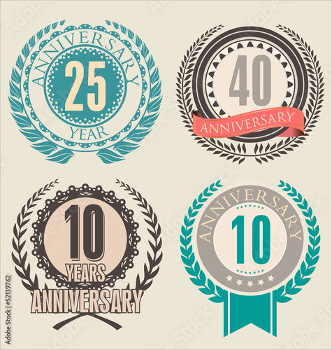 Anniversary retro laurel wreath