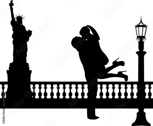 Couple in love in New York silhouette