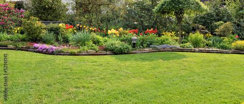 Papiers peints Jardin Garten mit Rasenfläche