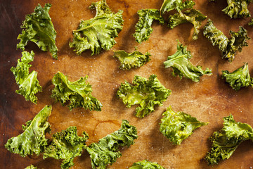 Homemade Organic Green Kale Chips