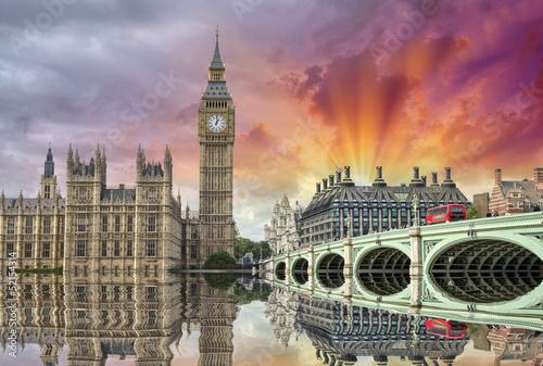 londyn-piekny-widok-na-westminster-bridge-i-houses