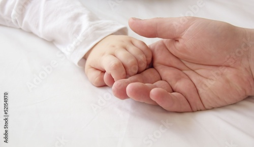Fototapeten,hand,familie,vater,kind