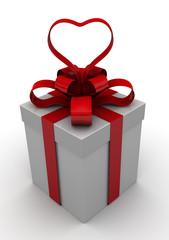 Подарочная коробка с упаковочной лентой в виде сердца