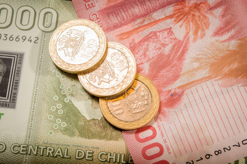 Chilean coins and bills