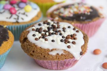 Muffins auf Tortenspitze detail