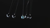 Newtons cradle moving