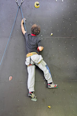 Climbing the wall_1