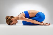 De yoga vrouw