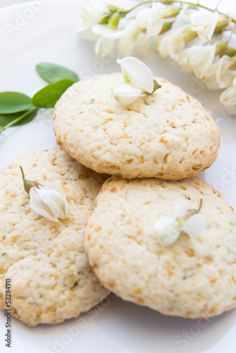 Cookies with acacia's flowers