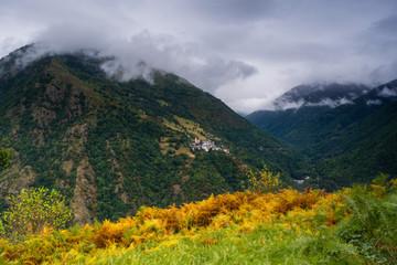 Vista del pueblo de Canejan, Valle de Aran