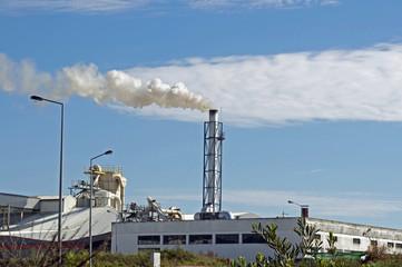 fumée de cheminée d'usine