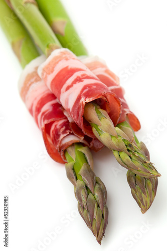 asparagus and proschiuto meat