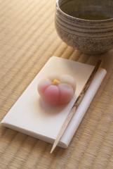 茶道(和菓子と抹茶茶碗)