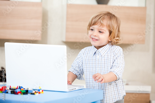 child look laptop