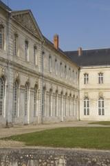 abbaye du bec hellouin en normandie