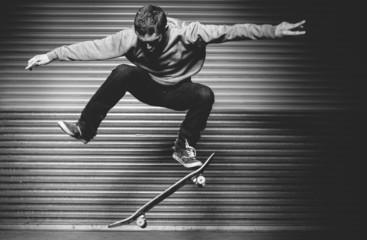 Skateboarder in mid ollie