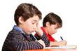Schüler / Junge bei Schulaufgabe überfordert