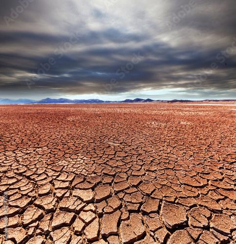 Fotobehang Droogte Drought land