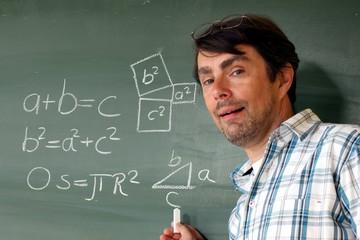 a²=b²+c² Lehrer mit Lösung an Tafel