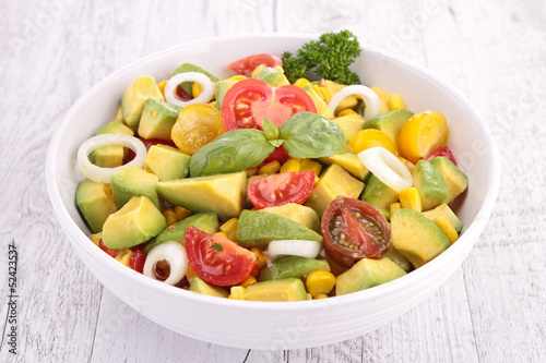 avocado salad and tomato