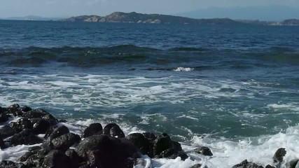 mare rocce onde