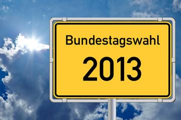 Schild Bundestagswahl 2013 vor Himmel