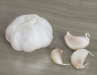 Garlic on a wood
