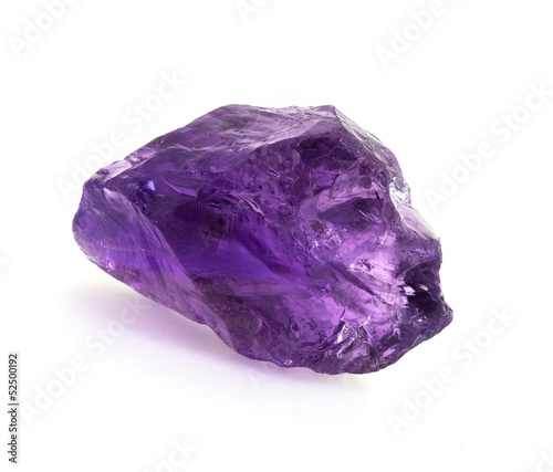 Papiers peints Pierre, Sable Big raw brazilian amethyst rock isolated on white.