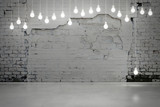 Fototapety old brick wall and bulbs