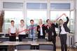 Geschäftsleute zeigen Umsatz Zahlen Index