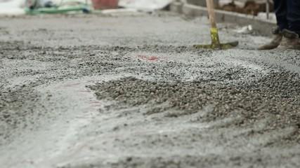 gettata di cemento fresco e spianatura