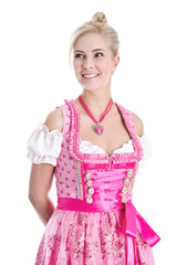 Hübsche junge Frau im Dirndlkleid