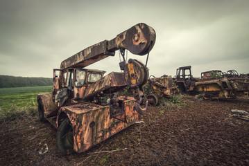 scrap yard crane