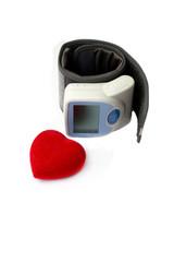Прибор для измерения давления с символом сердца