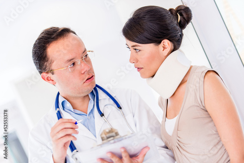 Injured woman at the doctor