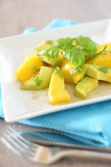 Avocado Mango Salat