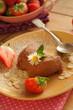 Mousse au chocolat mit Mandelblättchen