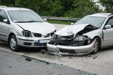 Vorfahrt missachtet - Verkehrsunfall