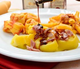 Tortelloni con aceto balsamic - Italian pasta, tortelloni