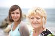 Nonna e nipote che sorridono