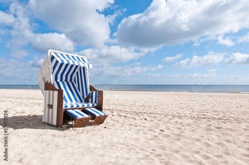 weißer Strandkorb quer