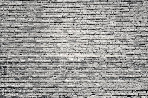 stary-mur-z-cegly