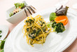 Fettuccine con tinca e bietole, fuoco selettivo - Italian pasta