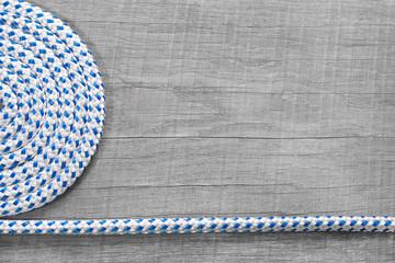 Tauwerk als Hintergrund maritim in blau und grau