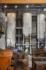 Silos in Industrieanlage // Silos in industrial plant
