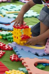 Spielzeug mit Kind