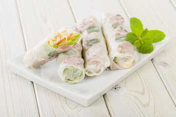 Bo Bia - Vietnamese fresh summer rolls with Chinese sausage