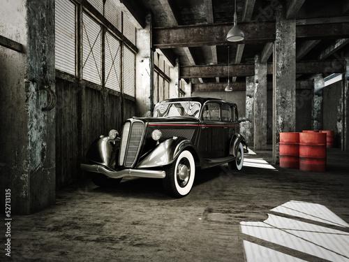 oldtimer in einer alten fabrikhalle - 52713135